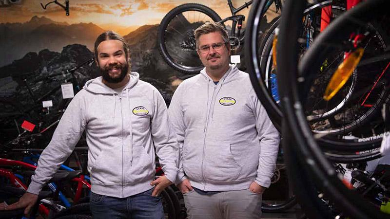 Cykel - Cykelcentralen - Fredrik, Anders. Köpa cykel, hyra cykel, laga cykel. Cykelcentralen är en cykelbutik i Kristianstad som står för Kvalitét.